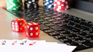 Why Everything You Learn About Gambling Is A Lie